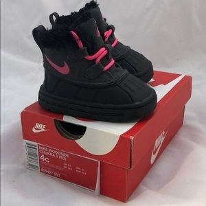 Nike Woodside Girls Boots 4c